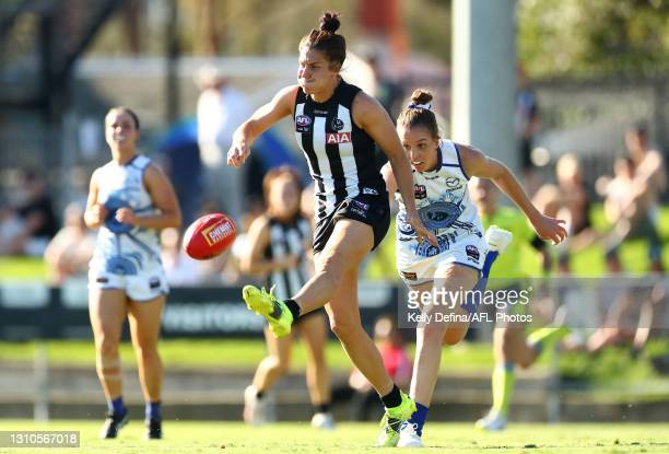 Ash Brazill of the Magpies kicks the ball during the AFLW Finals Series match between the Collingwood Magpies and the North Melbourne Kangaroos at...
