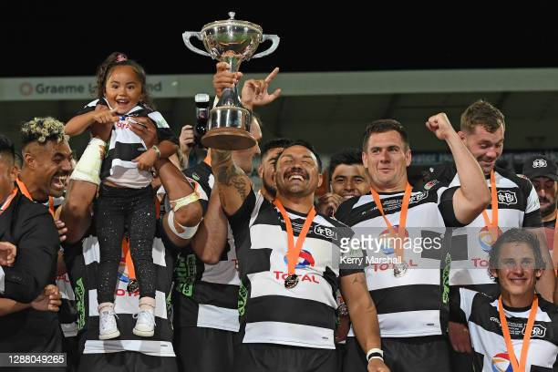 Ash Dixon of Hawke's Bay celebrates after winning the Mitre 10 Cup round 12 Finals match between Hawke's Bay and Northland at McLean Park on November...