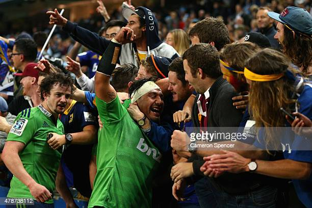 Ash Dixon of the Highlanders celebrates winning the Super Rugby Semi Final match between the Waratahs and the Highlanders at Allianz Stadium on June...