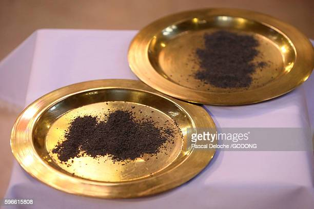 ash wednesday marks the beginning of the season of lent. - ash wednesday stock pictures, royalty-free photos & images