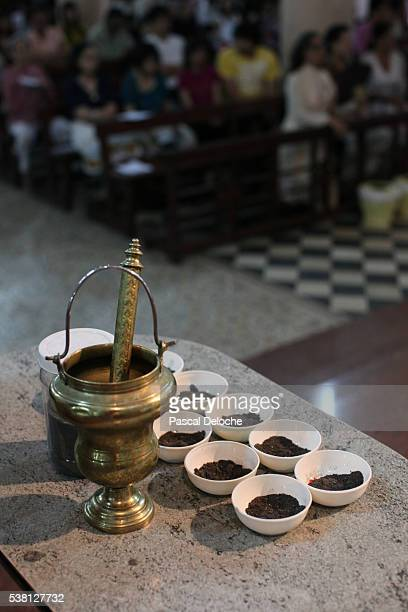 ash wednesday mass in ho chi minh city - ash wednesday stock pictures, royalty-free photos & images