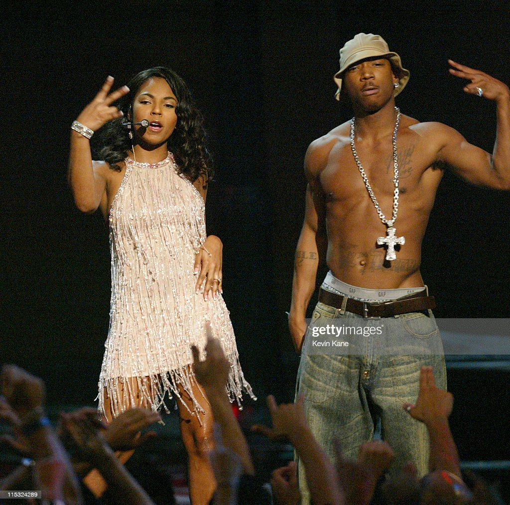 2002 MTV Video Music Awards - Show : News Photo