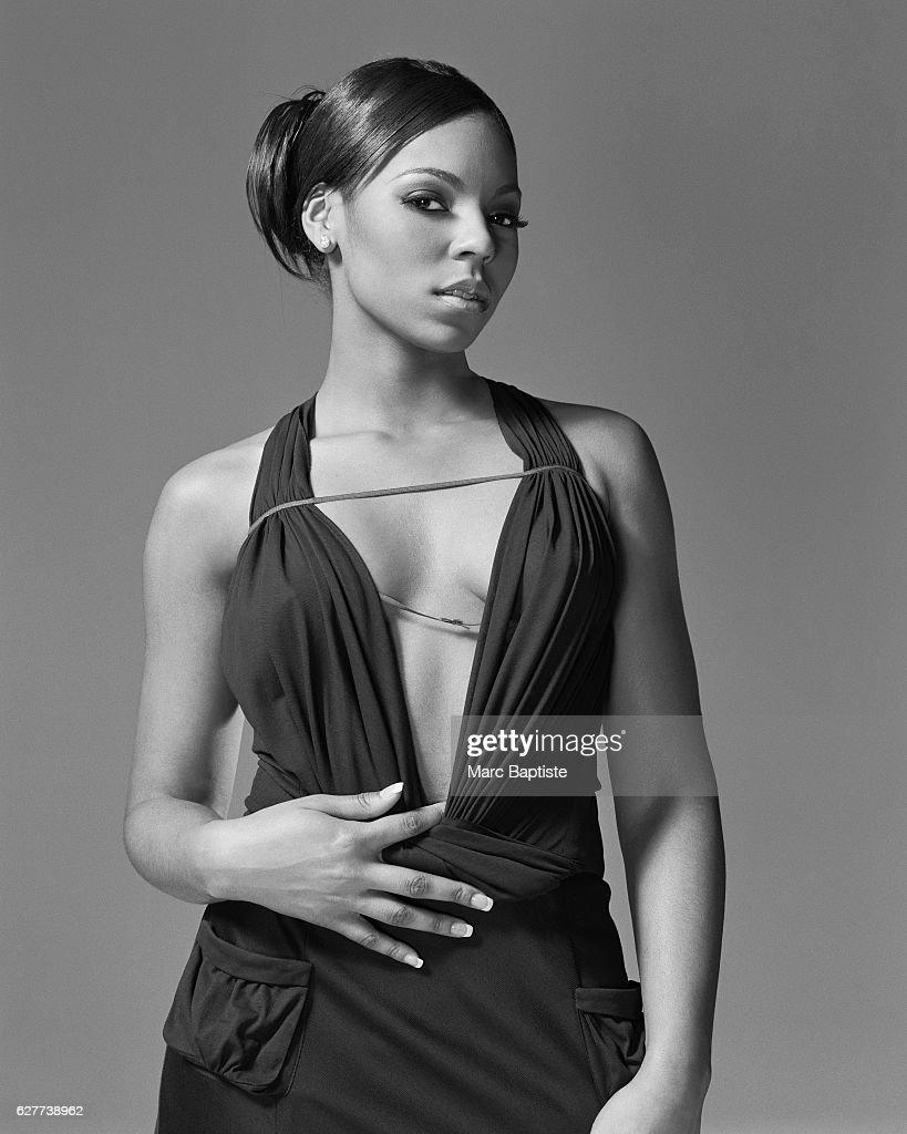 Ashanti, Vibe December 2004 : News Photo