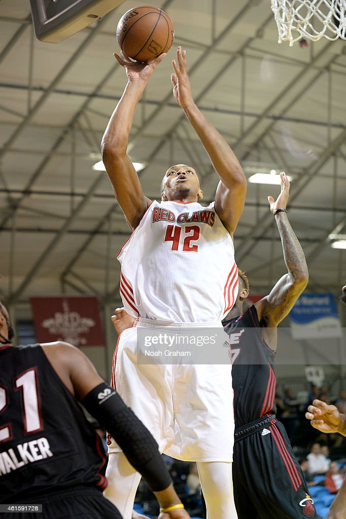 Ashauhn Dixon-Tatum #42 of the Maine Red Claws goes hard to the hoop against the Sioux Falls Skyforce during the 2015 NBA D-League Showcase presented by Samsung at the Kaiser Permanente Arena on January 15, 2015 in Santa Cruz, California.