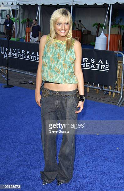 Ashelee Simpson during 2003 Teen Choice Awards - Arrivals at Universal Amphitheatre in Universal City, California, United States.