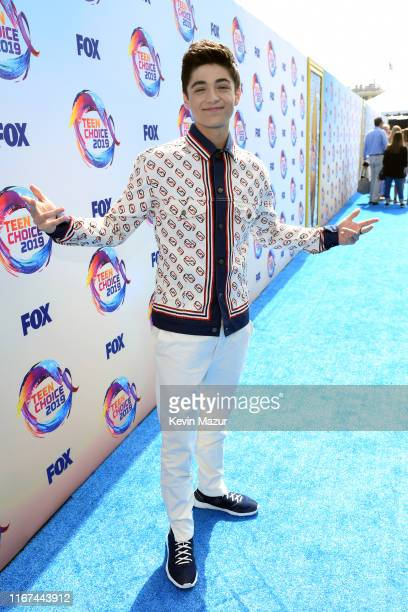 Asher Angel attends FOX's Teen Choice Awards 2019 on August 11 2019 in Hermosa Beach California