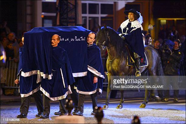 Ashes transfer ceremony French writer Alexandre Dumas buried in the Pantheon in Paris France on November 30 2002