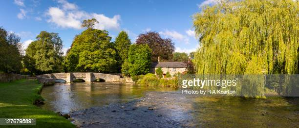 ashford in the water, derbyshire, england - peak district national park stock pictures, royalty-free photos & images