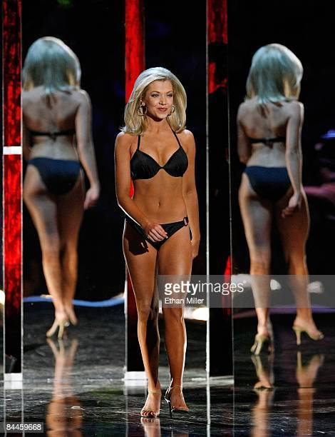 Ashlee Baracy Miss Michigan competes in the swimsuit competition during the 2009 Miss America Pageant at the Planet Hollywood Resort Casino on...