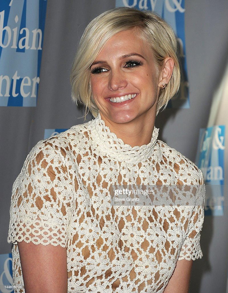Ashlee Simpson arrives at the L.A. Gay & Lesbian Center's 'An Evening With Women'>> at The Beverly Hilton Hotel on May 19, 2012 in Beverly Hills, California.