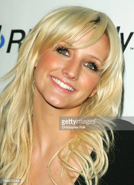 Ashlee Simpson during 2006 Clive Davis PreGRAMMY Awards Party Arrivals at Beverly Hilton Hotel in Beverly Hills California United States