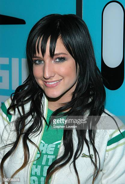 """Ashlee Simpson during Ashlee Simpson, James Lafferty and Simple Plan Visit MTV's """"TRL"""" - September 20, 2004 at MTV Studios - Times Square in New York..."""