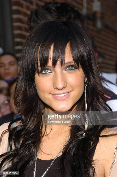 Ashlee Simpson during Ashlee Simpson, Julianna Margulies, and Cedric the Entertainer Appear Outside The Late Show with David Letterman at Ed Sullivan...
