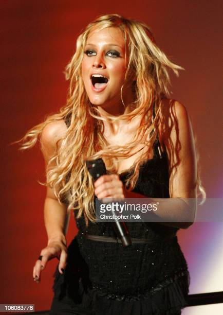 Ashlee Simpson during Ashlee Simpson Performs on 'The Love Tour' at the Greek Theatre June 7 2006 at Greek Theatre in Hollywood California United...