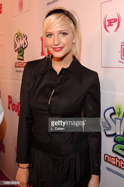 Ashlee Simpson during Teen People Celebrates 2nd Annual Young Hollywood Issue Sponsored by EA Games and Baby Phat Red Carpet at Cabana Club in...