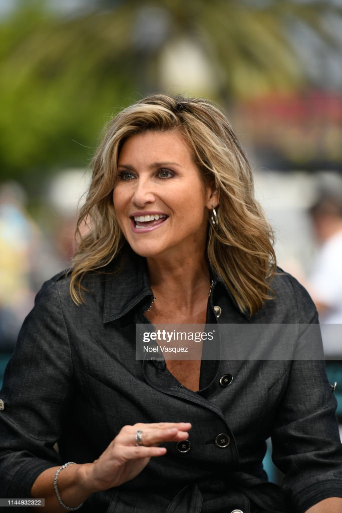 """CA: Ashleigh Banfield Visits """"Extra"""""""