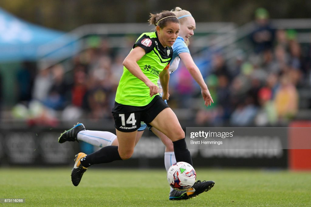Ashleigh Sykes of Canberra controls the ball during the round three W-League match between Canberra United and Sydney FC at McKellar Park on November 12, 2017 in Canberra, Australia.
