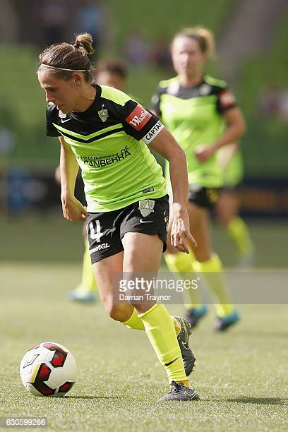 Ashleigh Sykes of Canberra United runs with the ball during the round nine WLeague match between Melbourne and Canberra at AAMI Park on December 28...