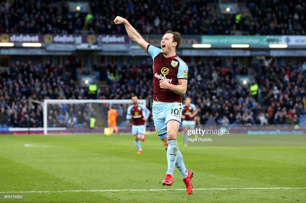 Ashley Barnes of Burnley celebrates scoring his side's second goal during the Premier League match between Burnley and Swansea City at Turf Moor on November 18, 2017 in Burnley, England.