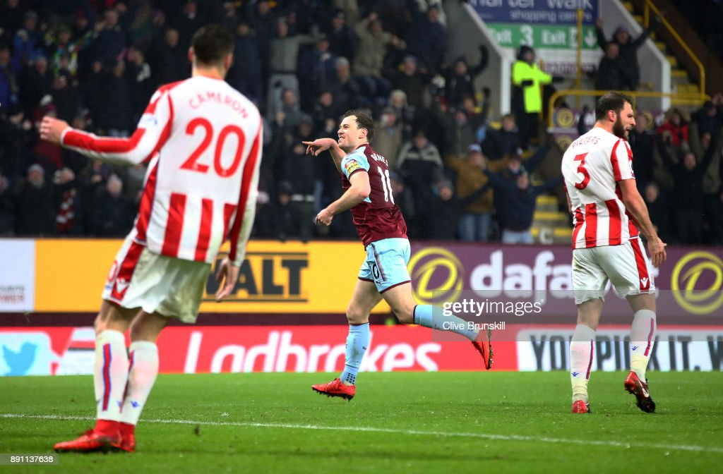 Ashley Barnes of Burnley celebrates scoring the first Burnley goal during the Premier League match between Burnley and Stoke City at Turf Moor on December 12, 2017 in Burnley, England.