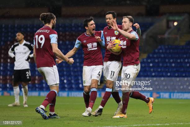 Ashley Barnes of Burnley celebrates scoring their 1st goal with Jay Rodriguez, Jack Cork and Dwight McNeil during the Premier League match between...
