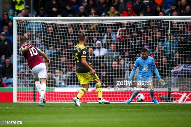 Ashley Barnes of Burnley scores a goal to make it 20 during the Premier League match between Burnley FC and Southampton FC at Turf Moor on August 10...