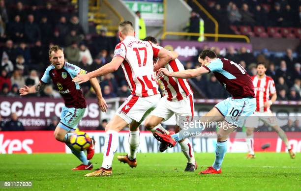 Ashley Barnes of Burnley scores the first Burnley goal during the Premier League match between Burnley and Stoke City at Turf Moor on December 12...