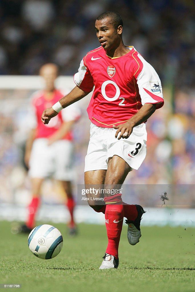 Ashley Cole of Arsenal : News Photo