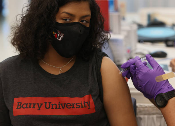 FL: Colleges In Miami-Dade County Set Up Vaccination Programs For Students