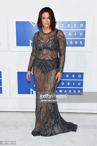Ashley Graham attends the 2016 MTV Video Music Awards at Madison Square Garden on August 28 2016 in New York City