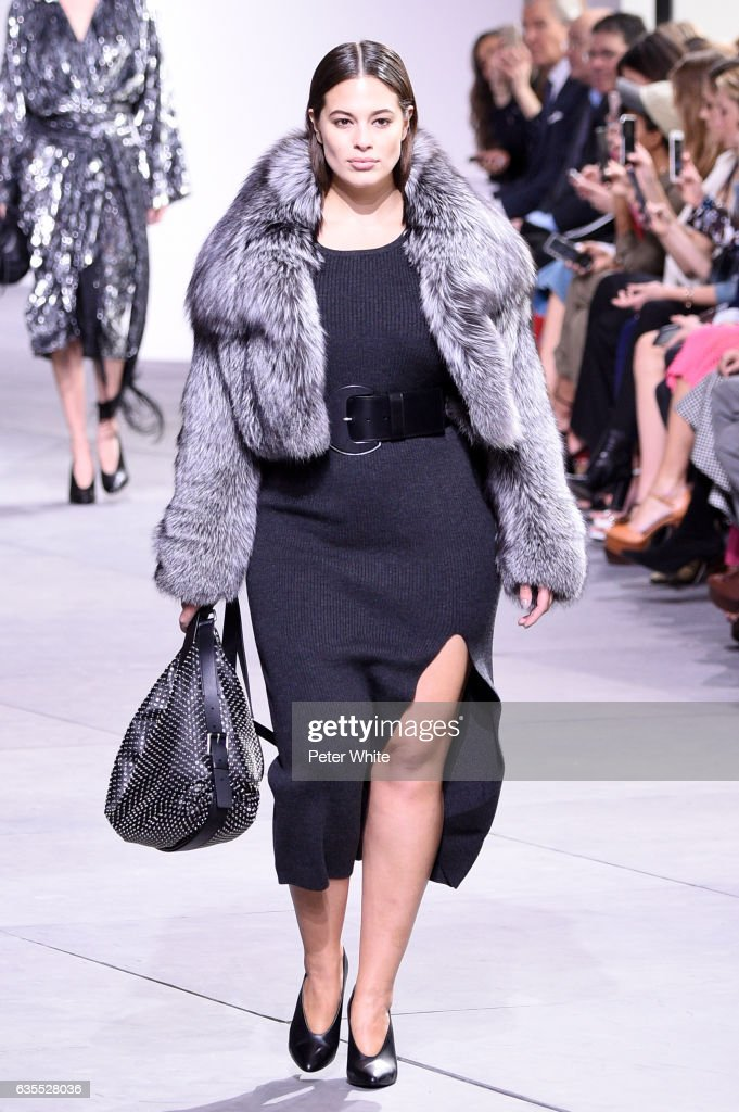 Michael Kors - Runway - February 2017 - New York Fashion Week : News Photo