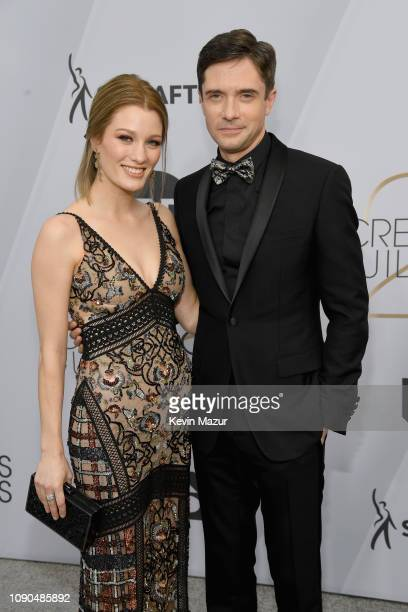 Ashley Hinshaw and Topher Grace attend the 25th Annual Screen ActorsGuild Awards at The Shrine Auditorium on January 27 2019 in Los Angeles...