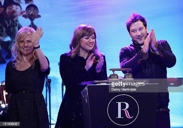 Ashley Jensen Kelly Clarkson and Matt Cardle help switch on the Christmas lights in Regent Street celebrating the new film 'Arthur Christmas' on...