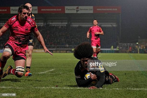 Ashley Johnson of Wasps scores a try during the Aviva Premiership match between Wasps and London Welsh at Adams Park on November 16 2014 in High...