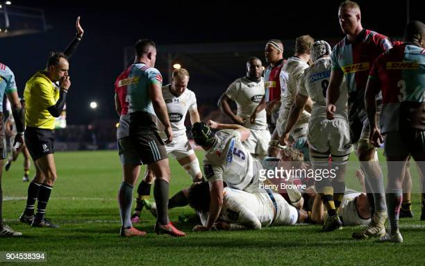 Ashley Johnson of Wasps scores their third try during the European Rugby Champions Cup match between Harlequins and Wasps at Twickenham Stoop on...