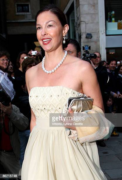 Ashley Judd arrives at 'Teatro La Fenice' on April 25 2009 in Venice Italy