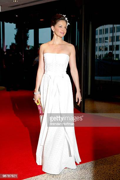 Ashley Judd arrives at the White House Correspondents' Association dinner on May 1 2010 in Washington DC The annual dinner featured comedian Jay Leno...