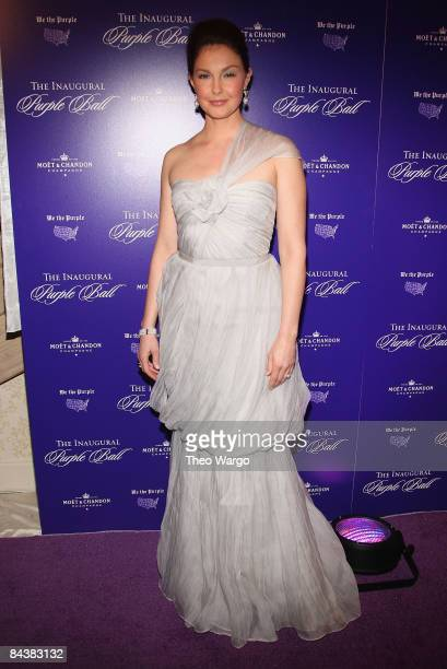 Ashley Judd attends the Inaugural Purple Ball at the Fairmont Hotel on January 20, 2009 in Washington, DC.