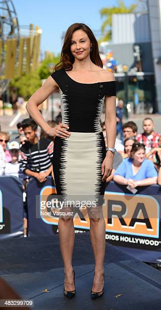 """Ashley Judd visits """"Extra"""" at Universal Studios Hollywood on April 7, 2014 in Universal City, California."""