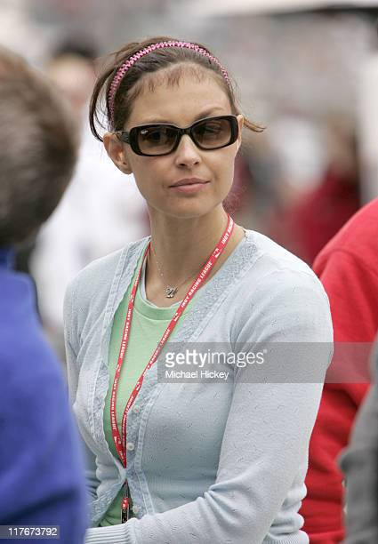 Ashley Judd wife of Dario Franchitti watches her husband during practice Dario Franchitti qualified 3rd fastest outside position of row one