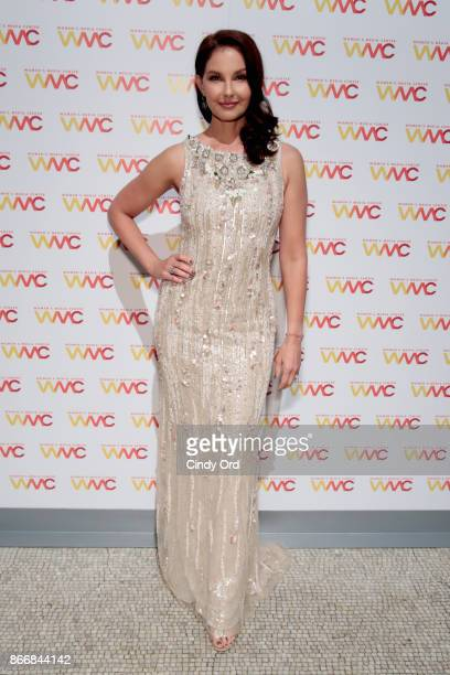 Ashley Judd winner of the WMC Speaking Truth To Power Award poses backstage at the Women's Media Center 2017 Women's Media Awards at Capitale on...