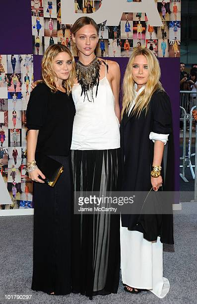 Ashley Olsen Sasha Pivovarova and MaryKate Olsen attend the 2010 CFDA Fashion Awards at Alice Tully Hall at Lincoln Center on June 7 2010 in New York...