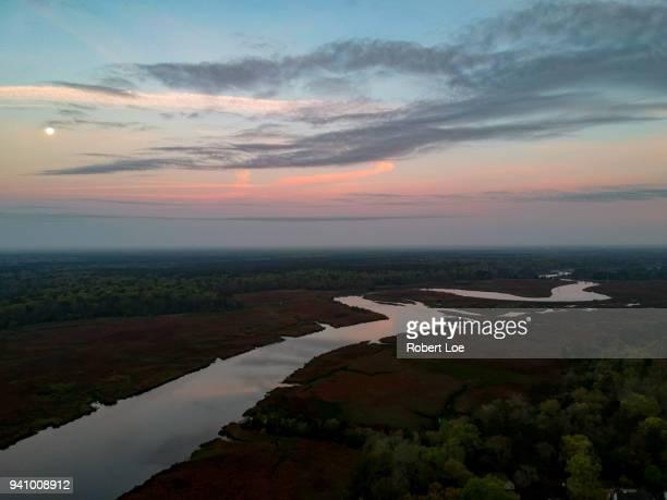 ashley river moon - ノースチャールストン ストックフォトと画像