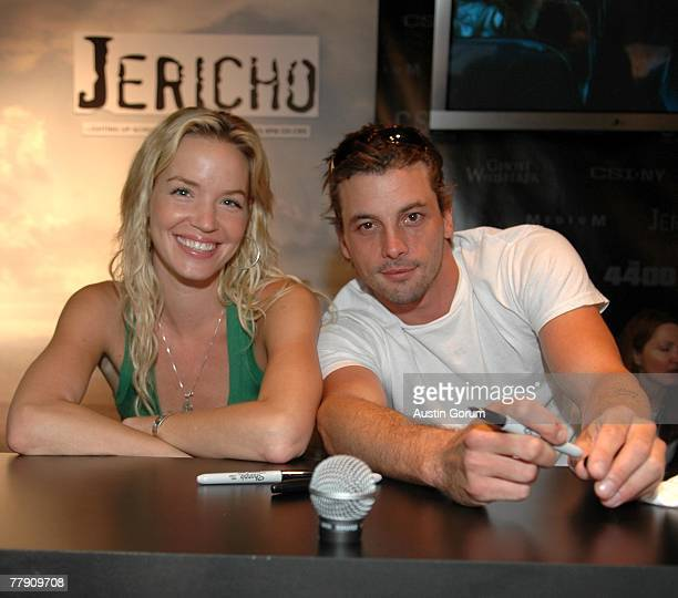 Ashley Scott and Skeet Ulrich sign autographs for fans at the CBS booth for the upcoming television series Jericho