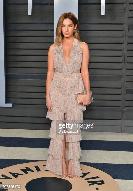 Ashley Tisdale attends the 2018 Vanity Fair Oscar Party hosted by Radhika Jones at Wallis Annenberg Center for the Performing Arts on March 4 2018 in...