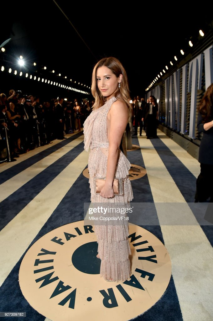 Ashley Tisdale attends the 2018 Vanity Fair Oscar Party hosted by Radhika Jones at Wallis Annenberg Center for the Performing Arts on March 4, 2018 in Beverly Hills, California.