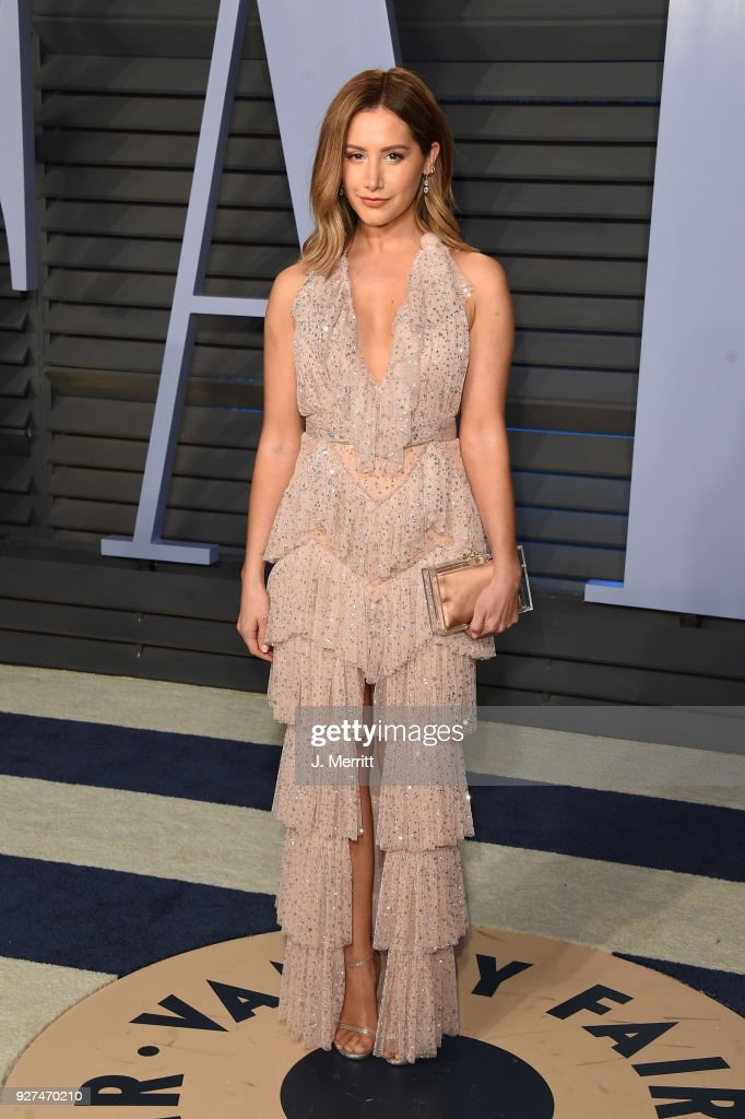 Ashley Tisdale attends the 2018 Vanity Fair Oscar Party hosted by Radhika Jones at the Wallis Annenberg Center for the Performing Arts on March 4, 2018 in Beverly Hills, California.