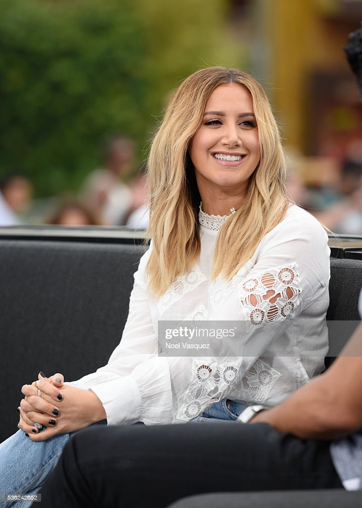 Ashley Tisdale And Ezra Edelman On 'Extra' : News Photo
