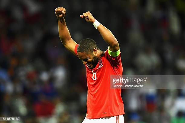Ashley Williams of Wales celebrates his team's 30 win after the UEFA EURO 2016 Group B match between Russia and Wales at Stadium Municipal on June 20...