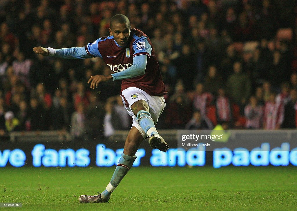 Ashley Young of Aston Villa scores the winning penalty during the Carling Cup 4th Round match between Sunderland and Aston Villa at the Stadium of Light on October 27, 2009 in Sunderland, England.